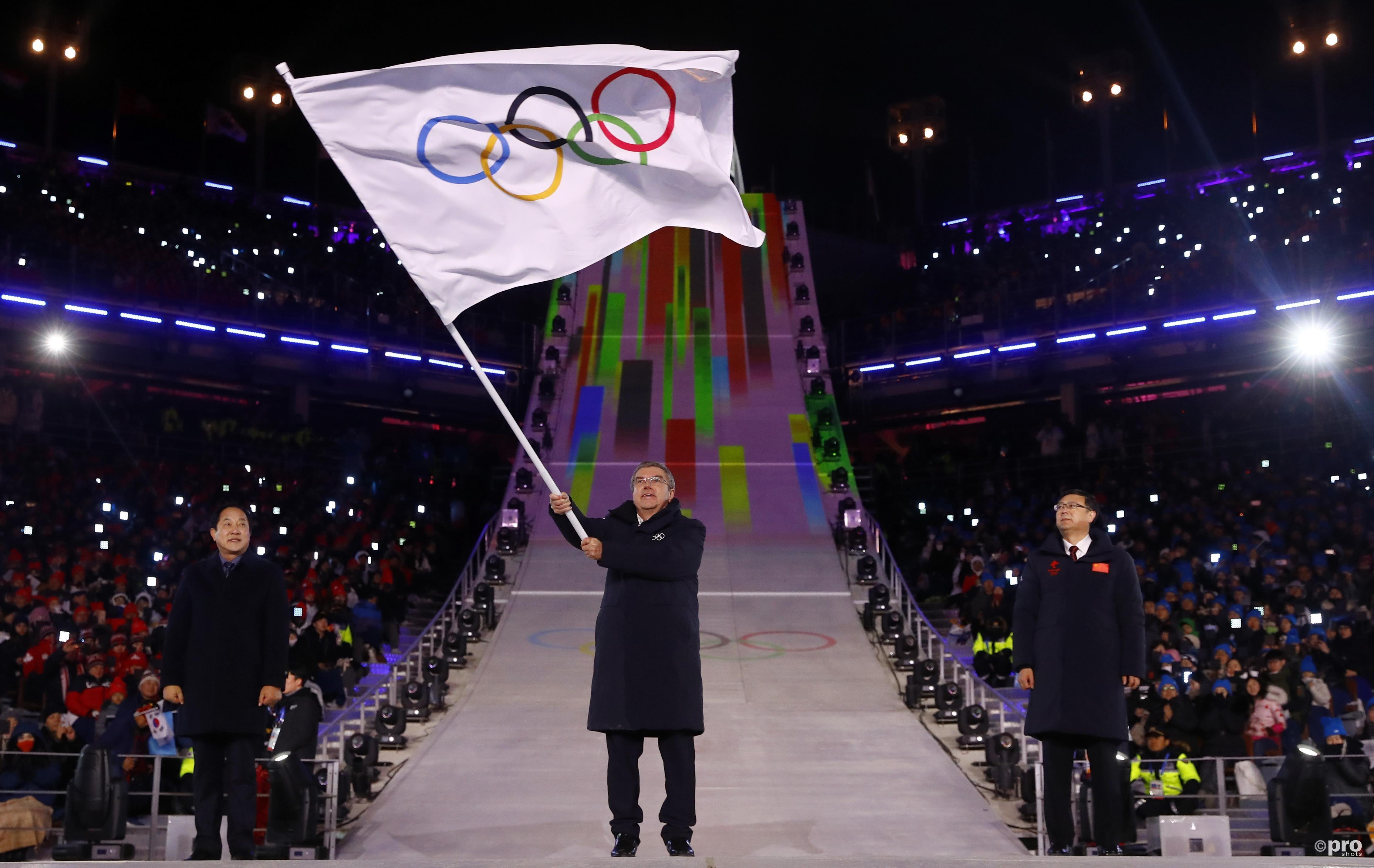 Thomas Bach mocht de olympische vlag overdragen naar Peking. (Pro Shots/Action Images)