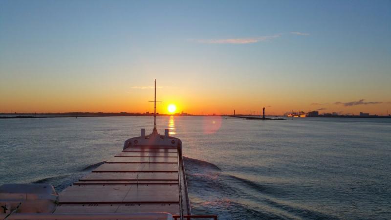 Zonsopgang vanaf de boot (Foto: Interpretatie)
