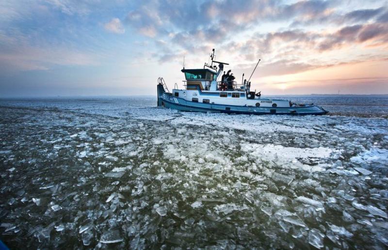 IJsbrekers op IJsselmeer