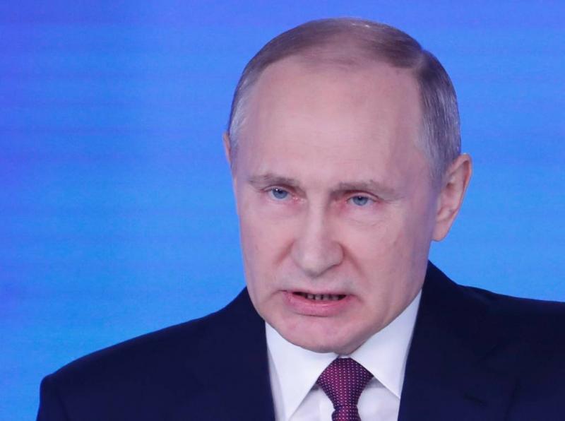Poetin verontrust Trump, Merkel en Macron