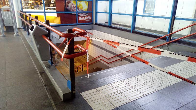 Wateroverlast op station Sloterdijk  (Foto: DJMO )