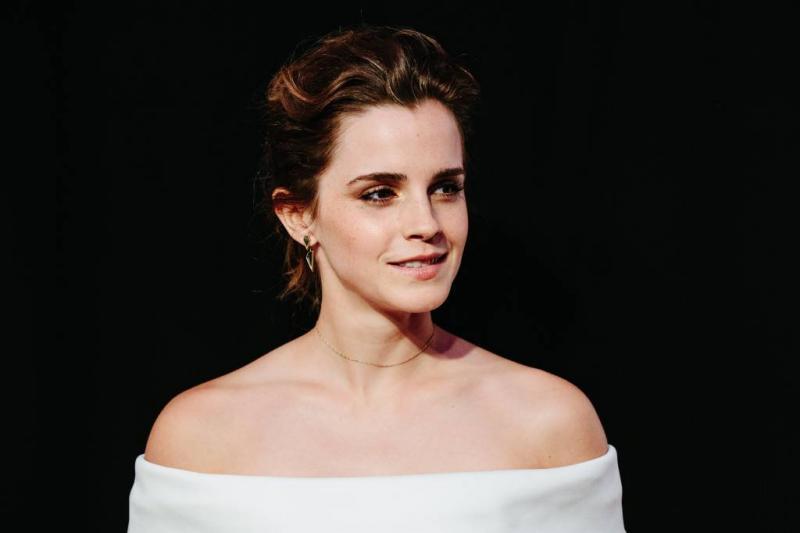 Emma Watson de mist in met tatoeage