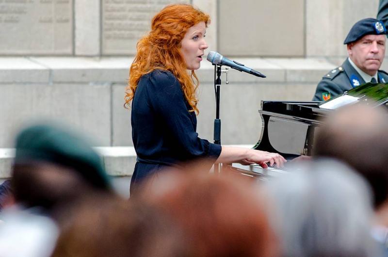 Renee van Bavel schrijft lied 4 mei