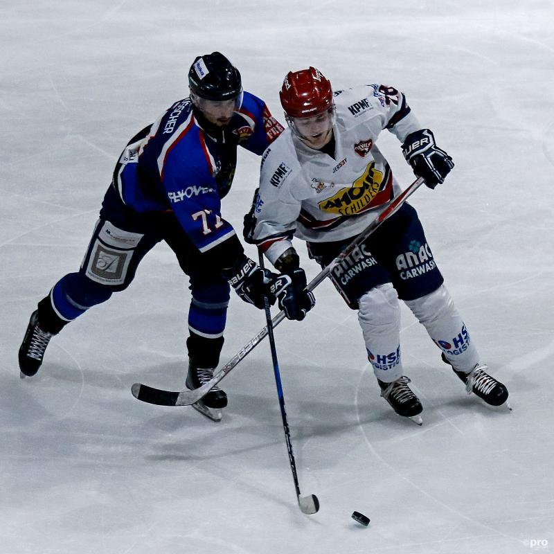 Nijmegen-speler Jasper Nordemann (rechts) in duel met Donny van Muscher van Den Haag (Pro Shots/Wouter Dill)