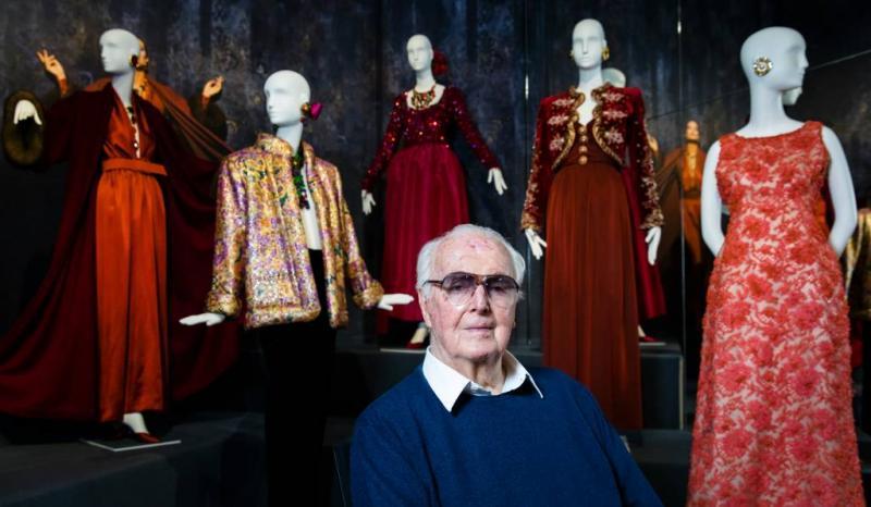 Modeontwerper Hubert de Givenchy overleden