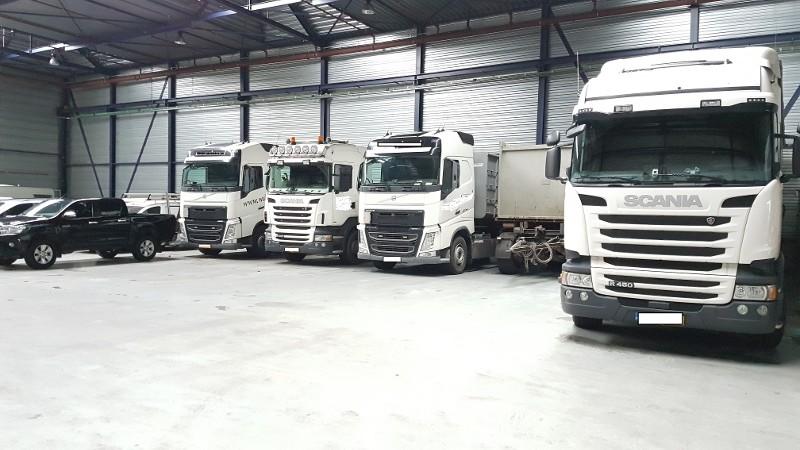 Politie leg beslag op vrachtwagens in mestfraudezaak (Foto: Politie.nl)