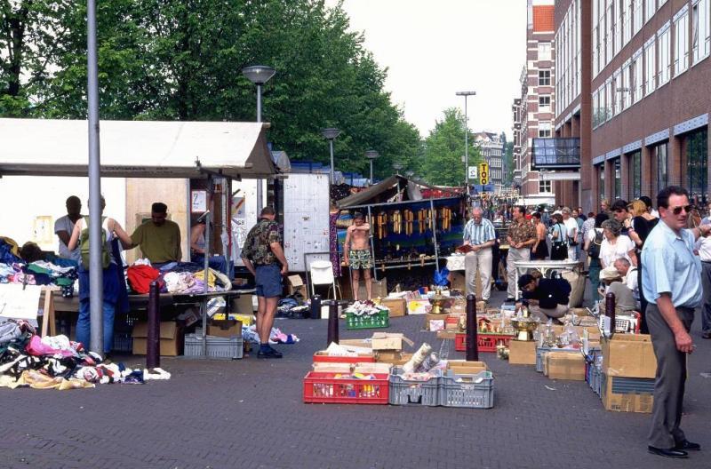 Waterlooplein in Amsterdam gaat op de schop