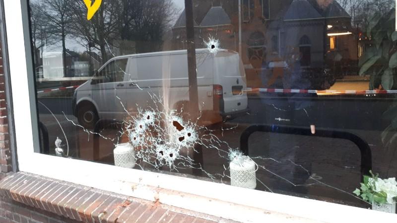 Coffeeshop beschoten in Oss (Foto: Politie.nl)