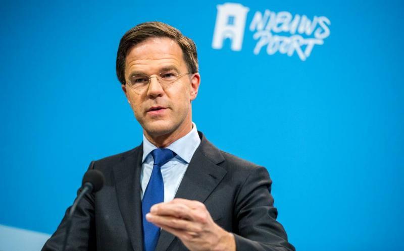 Draak steken met referendum spijt Rutte niet