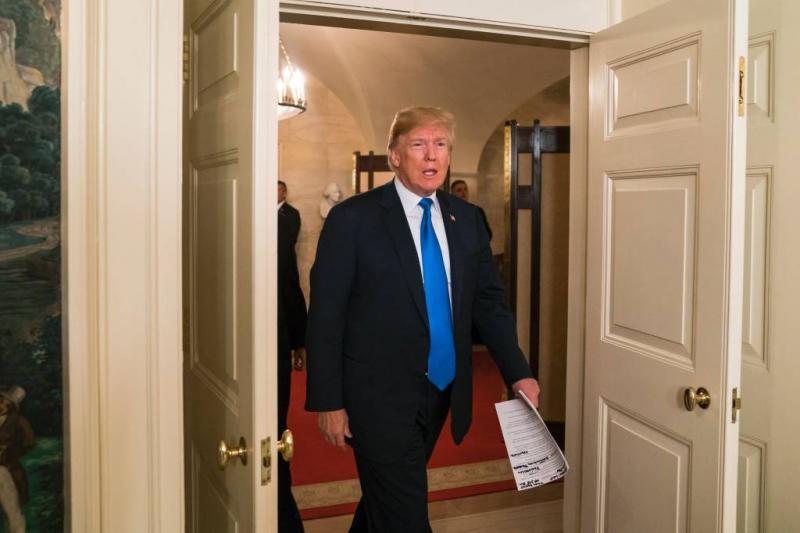 Trump tekent met tegenzin staatsbegroting