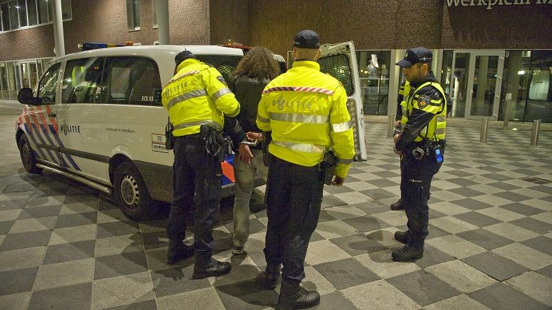 Politie grijpt in bij massale vechtpartij (Foto: stockfoto politie.nl)