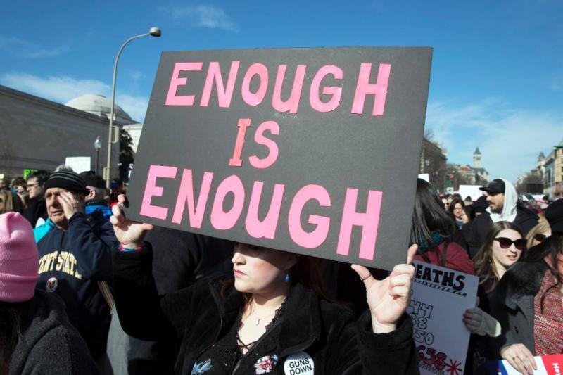 Honderdduizenden de straat op tegen wapens