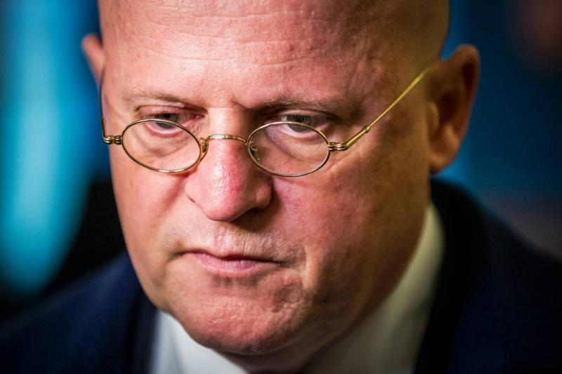 Minister onderzoekt verbod 'pedohandboek'
