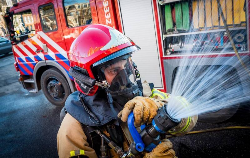 Zeer grote brand in visverwerkingsbedrijf Urk