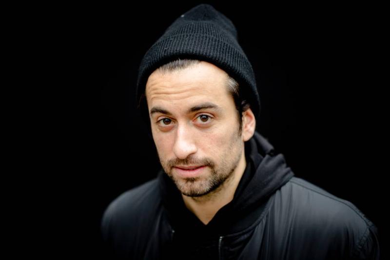 Dotan annuleert optredens om vertraagd album