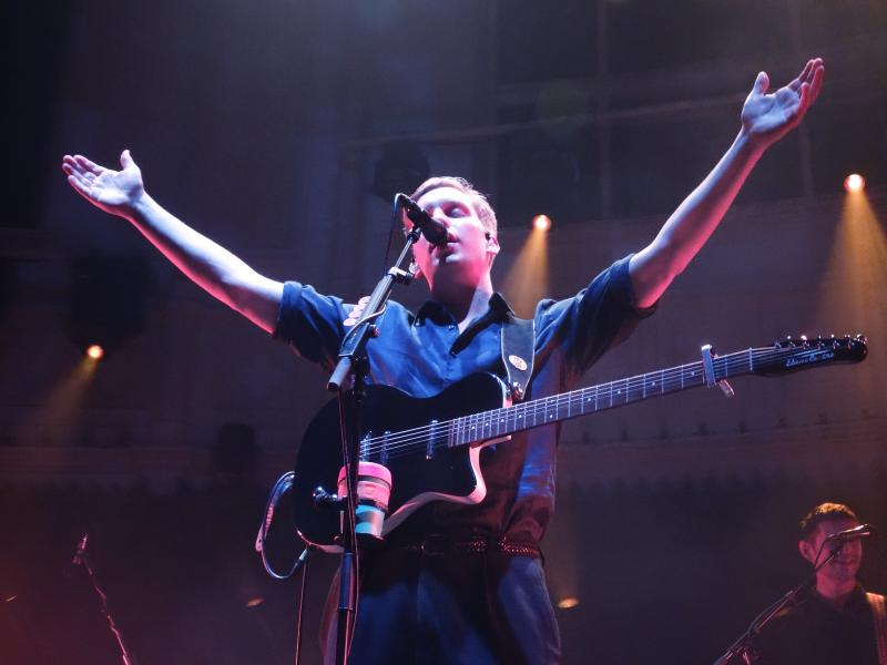 George Ezra - Paradiso (Foto: Lisanne van de Bunt)