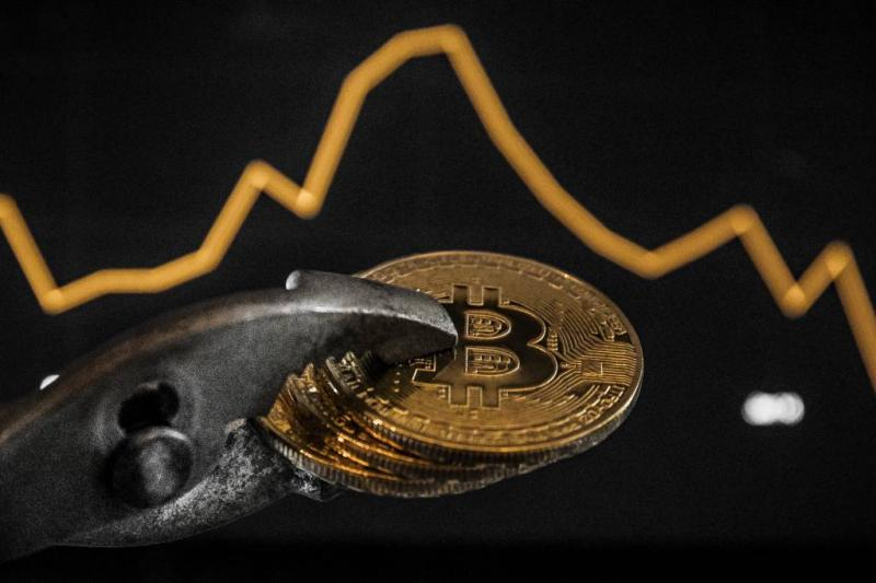 Koersen virtuele munten schieten omhoog