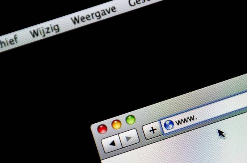 'Ruim 400 Nederlandse meisjes naakt online'