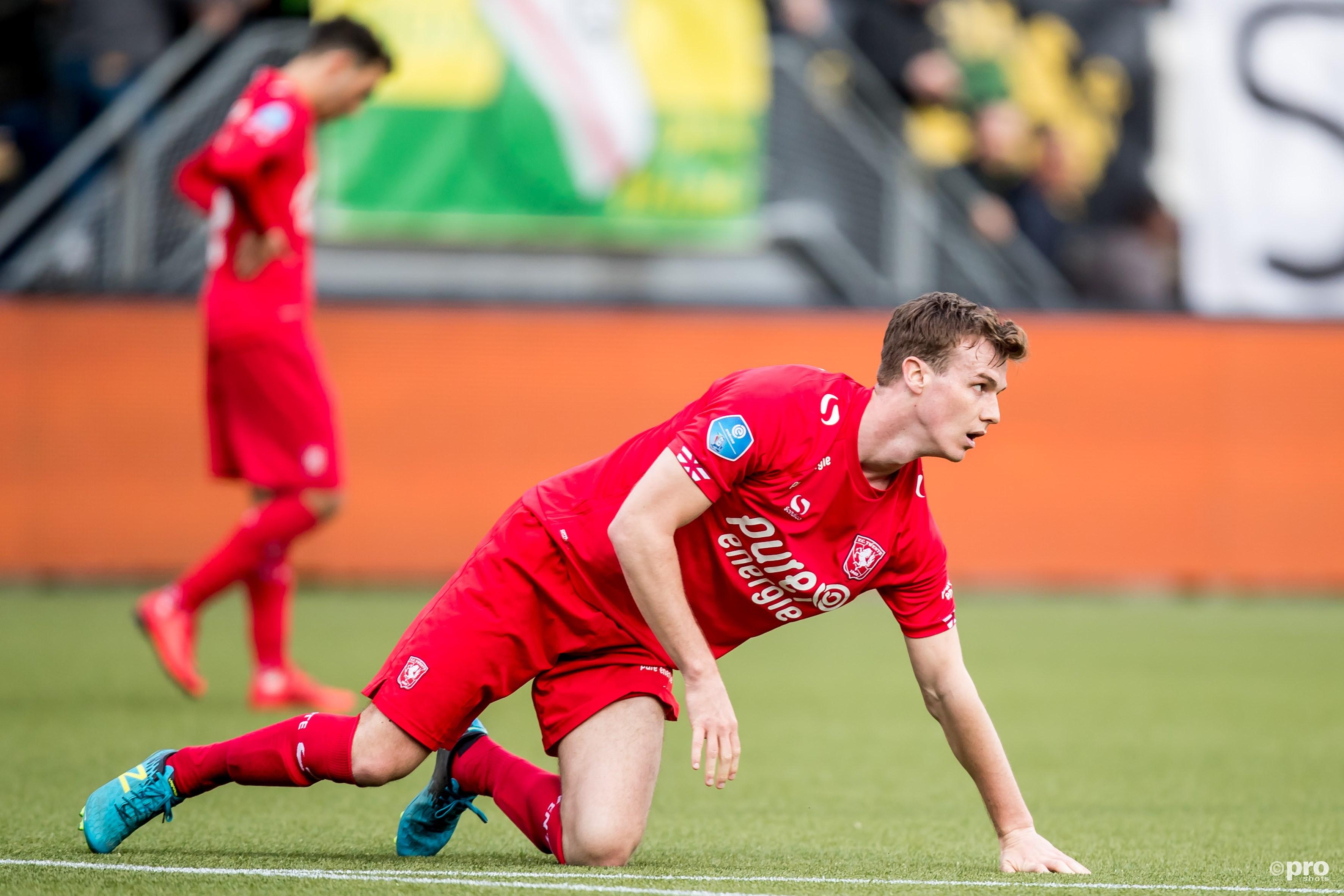 FC Twente Speler Peet Bijen baalt. (PRO SHOTS/Kay Int Veen)