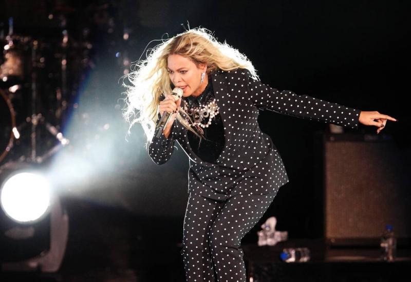 Beyoncé terug op podium met oude bekenden