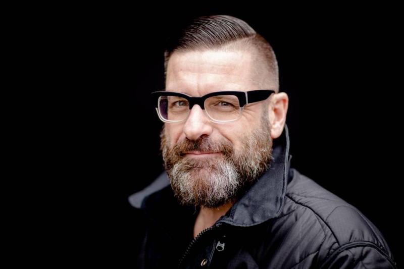 Radio 1-presentator zegt sorry voor Dotanlied