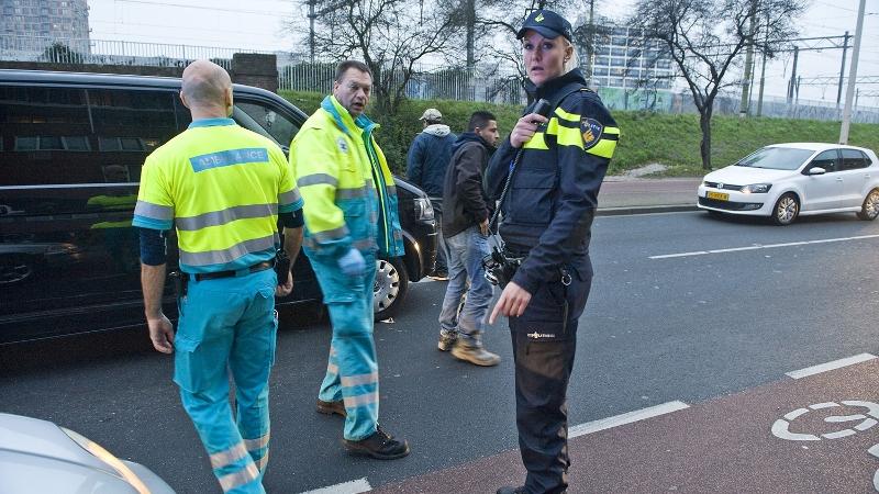 Dronken drugsgebruiker bedreigt hulpverleners (Foto: stockfoto politie.nl)