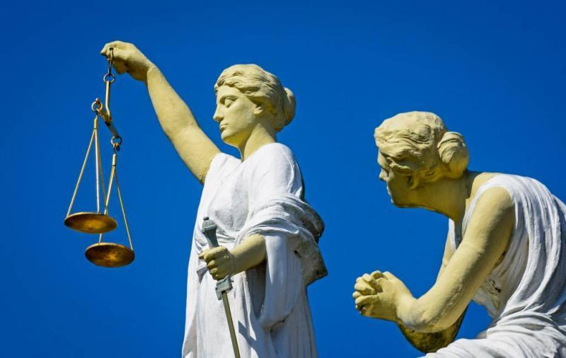 Hof verhoogt straf voor mesaanval op agenten