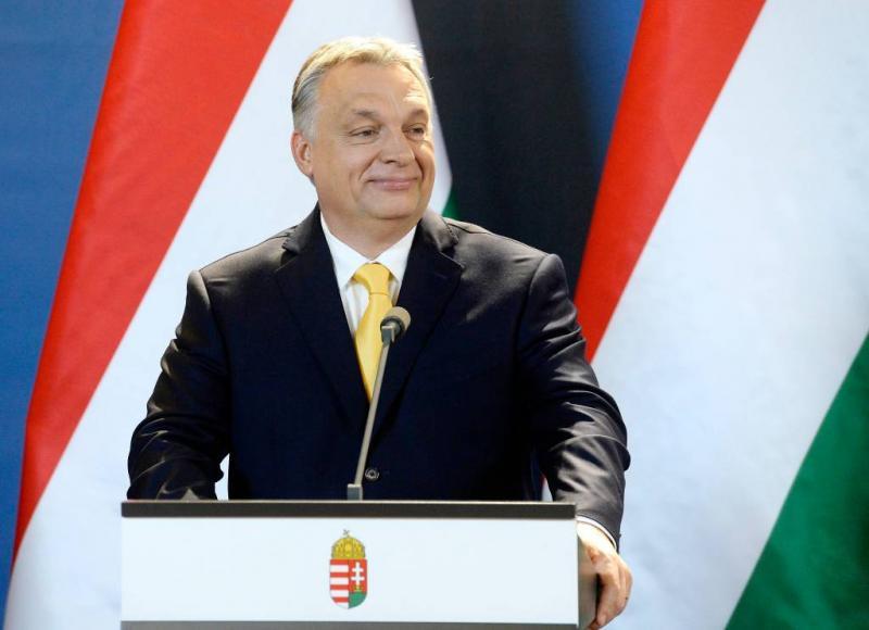 Protest Hongaren tegen invloed Orbán op media