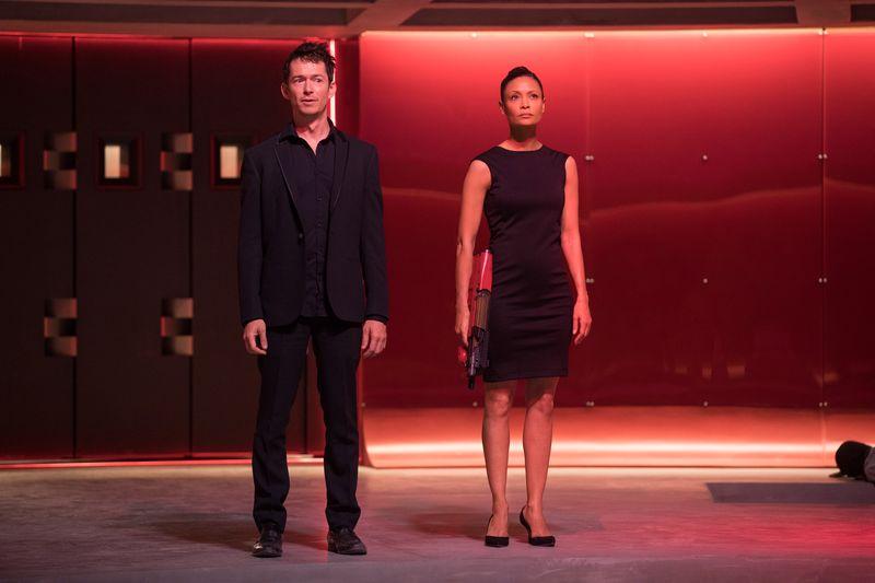 Westworld 2: Simon Quarterman en Thandie Newton