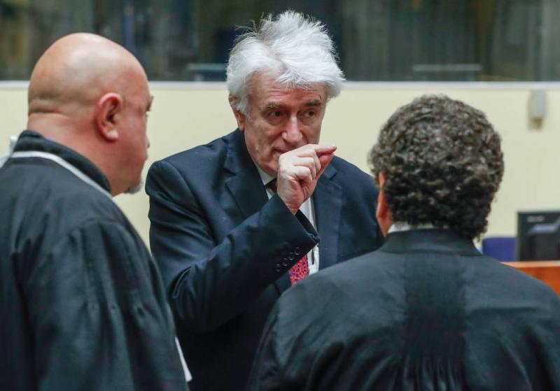 Verdediger eist vrijspraak Karadzic