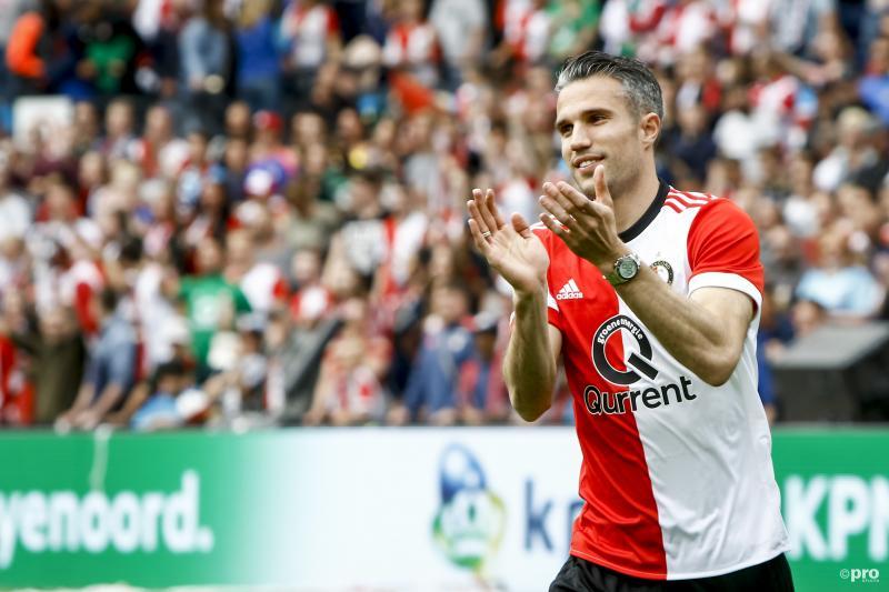 Robin van Persie bedankt de fans (Pro Shots / Remko Kool)