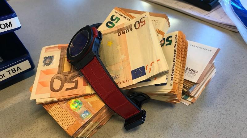 Intuïtie agent levert 28.000 op (Foto: Politie.nl)