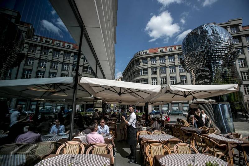 Rol politiemedewerker geweld Praag onderzocht