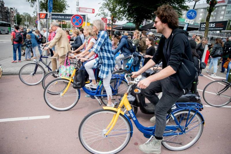 Minister pleit voor meer EU-geld voor fietsers