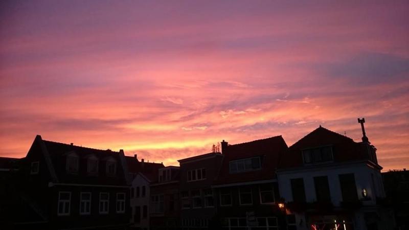 Zonsondergang met mooie kleuren. (Foto: Stephan5)