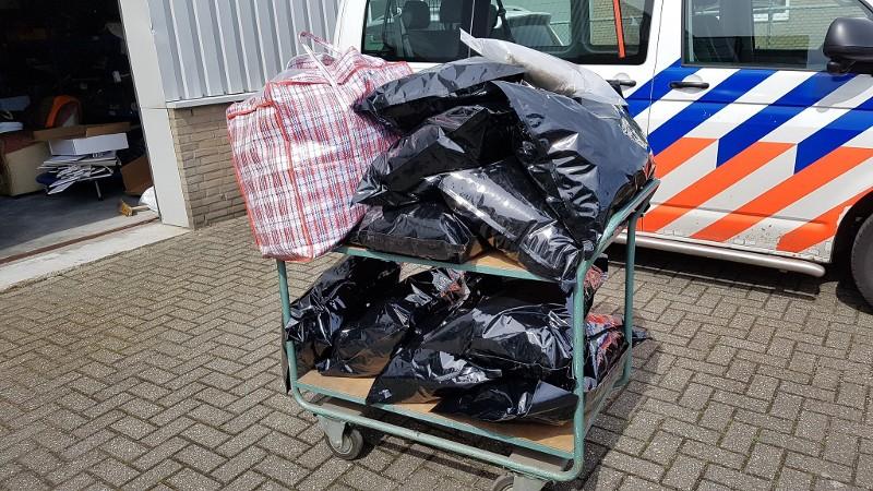 Politie rolt hennepdrogerij op in Tilburg (Foto:Politie.nl)