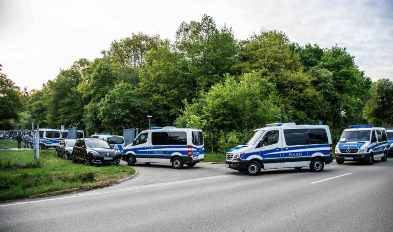Grote politieactie Duitsland om asielzoeker