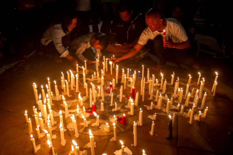 Agenten gewond bij zelfmoordaanslag Soerabaja