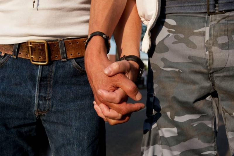 Nederlanders positiever over homo's