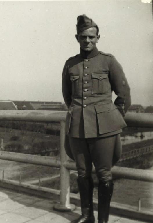 Militairen uit WO II herbegraven op Grebbeberg  (Foto: Ministerie van Defensie)