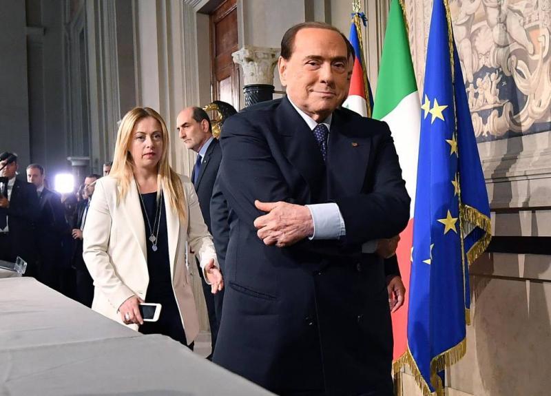 Berlusconi steunt nieuwe regering niet
