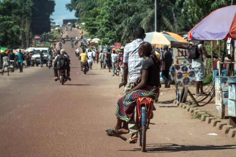 Besmettingsgevaar door biddende ebolalijders
