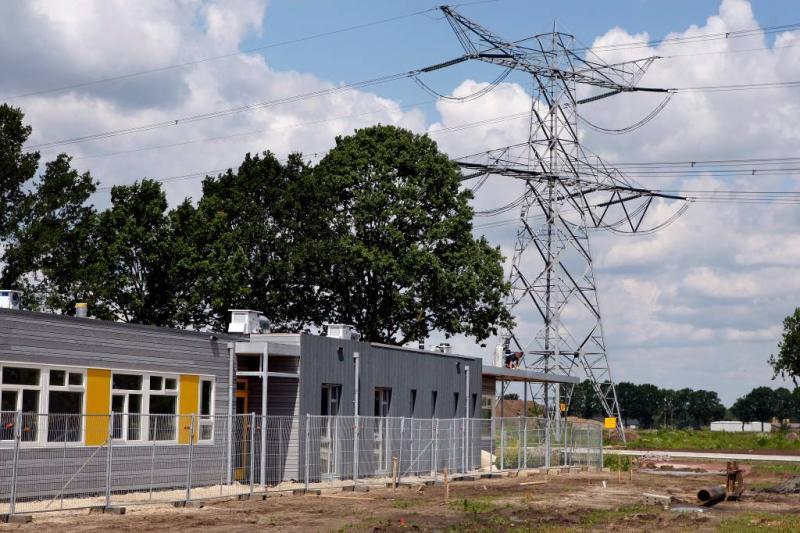 'Toch nieuwbouw dicht bij hoogspanningslijn'