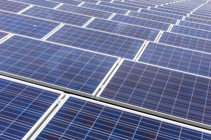 'Weg met importheffingen zonnepanelen China'