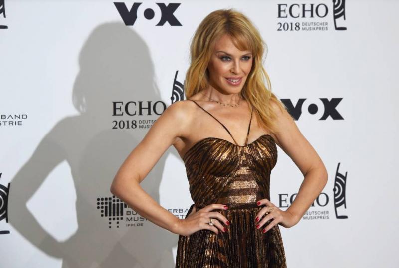 Kylie Minogue viert vijftigste verjaardag