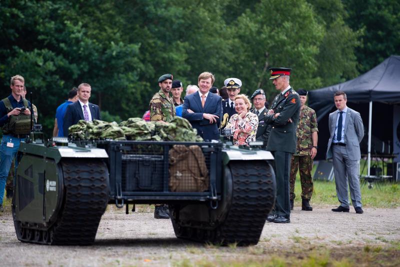 Koning bezoekt het Fieldlab Smartbase in Soesterberg  (Foto: Ministerie van Defensie)
