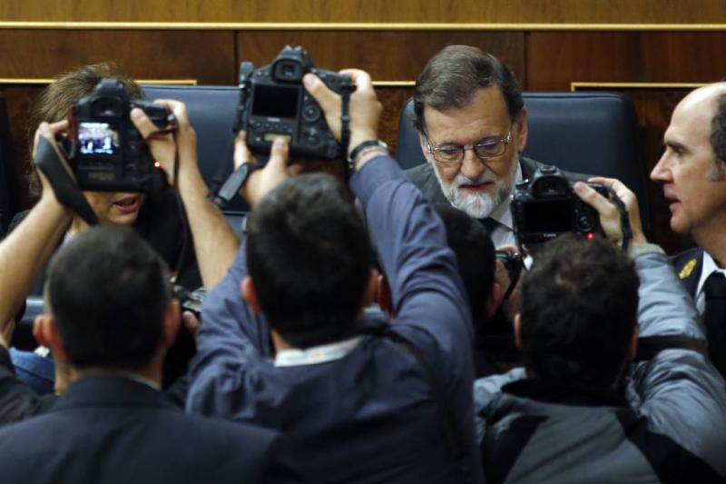 Spaanse premier Rajoy moet veld ruimen