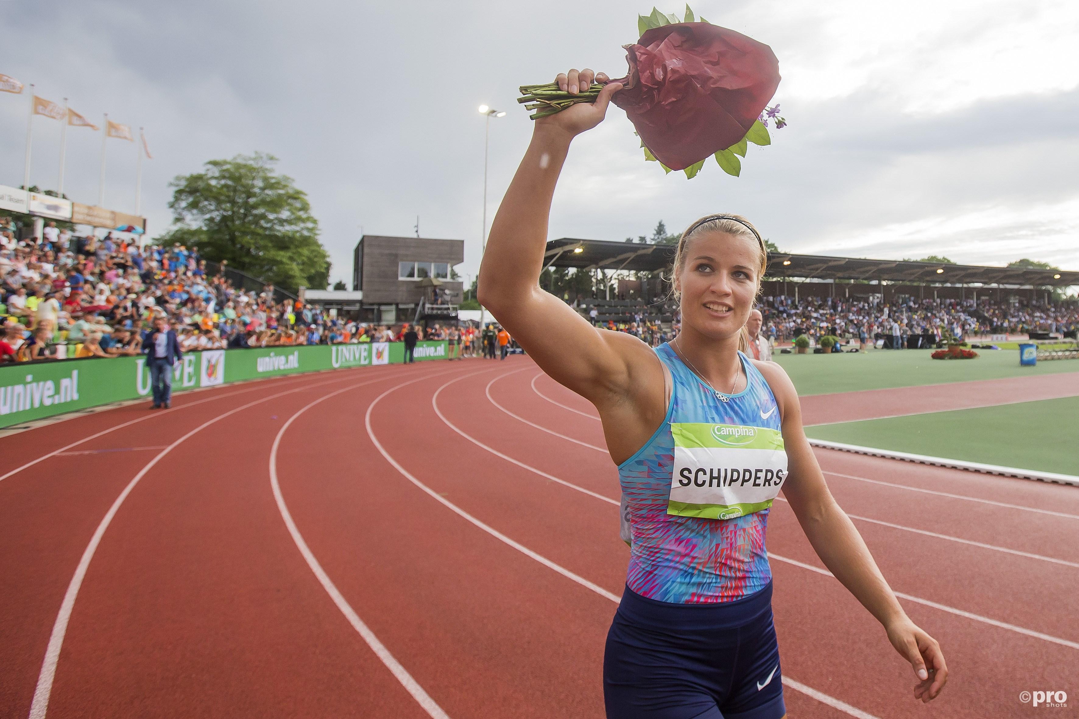 Schippers wint in Hengelo de 200 meter. (PRO SHOTS/Erik Pasman)