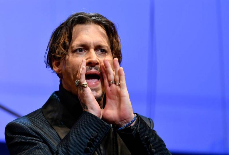 Johnny Depp klaagt The Sun aan voor smaad