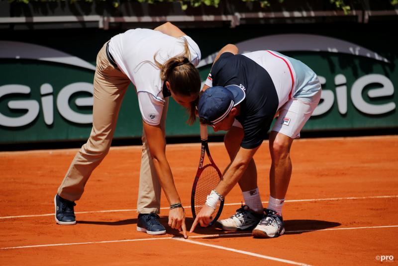 De Argentijnse tennisser Diego Schwartzman is druk doende met de umpire, wat is hier gaande? (Pro Shots / Action Images)